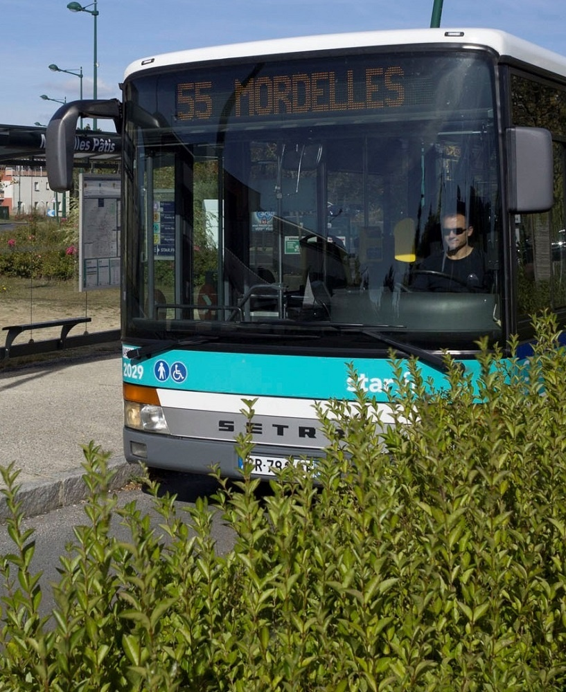 autiv bus_star